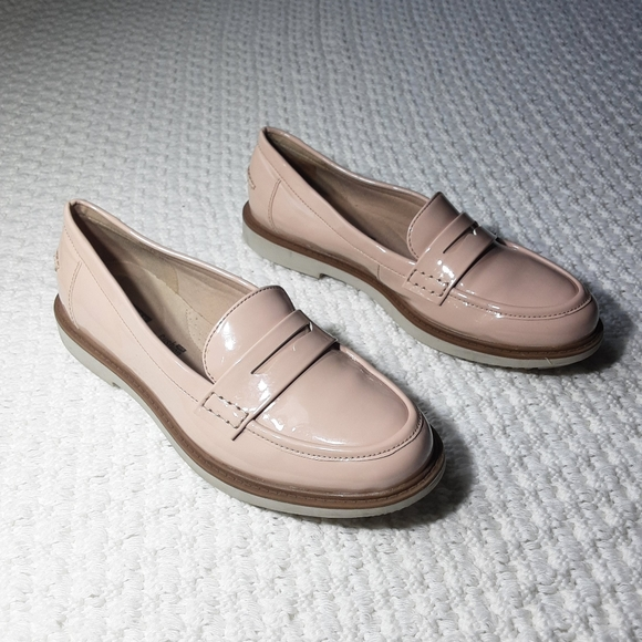 SOLD Collection by Clark's Womens Slip on loafers